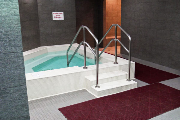 Spa: Saunas, Steam Rooms & Whirlpools - Sky Fitness Chicago