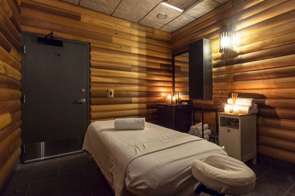Sky Fitness Chicago - Amenities - Massage Room