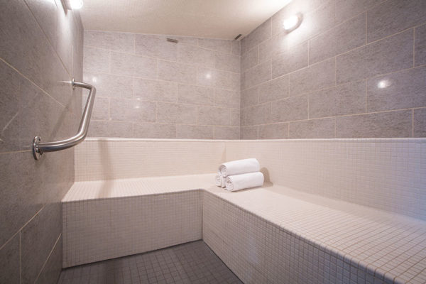 Sky Fitness Chicago - Amenities - Steam Room