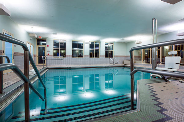 Sky Fitness Chicago - Amenities - Warm Water Therapy Pool2